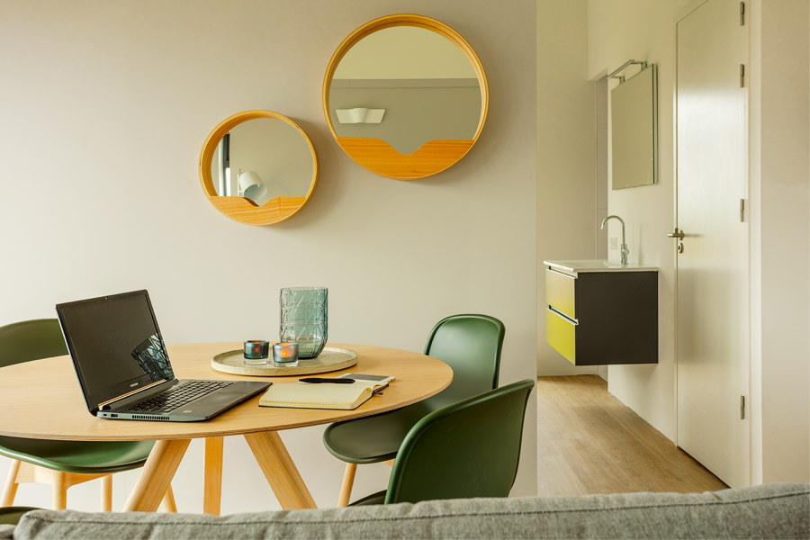 SUITELODGES FOR BUSINESS USE